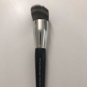 SEPHORA foundation brush#95